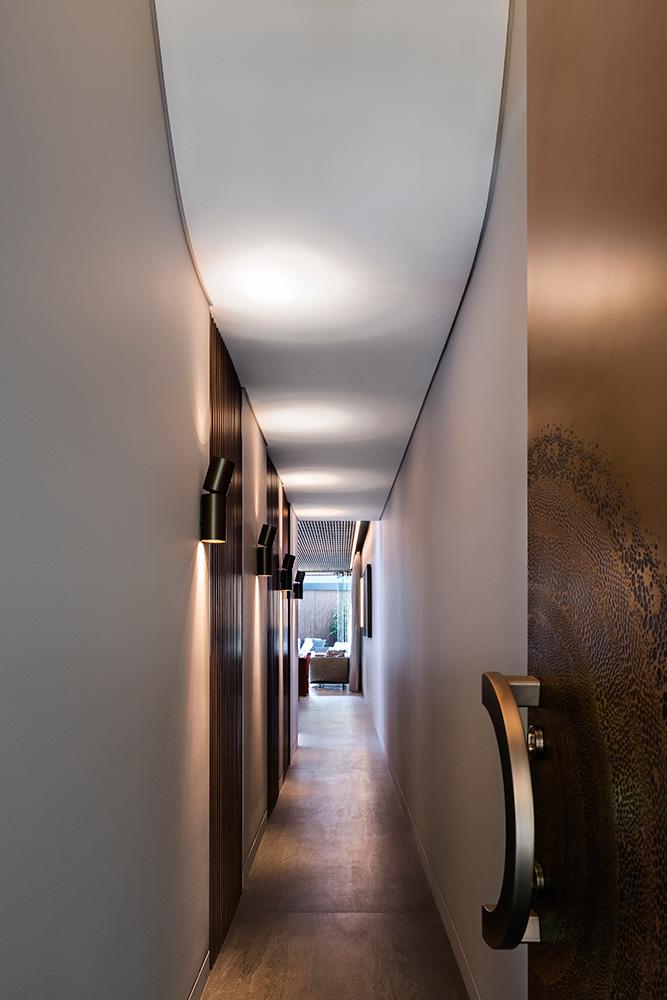 15-hall-way-HiRes.jpg