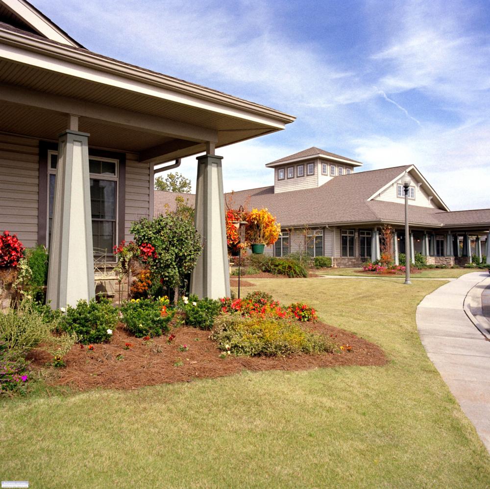 Oaks on Parkwood: The Lodge