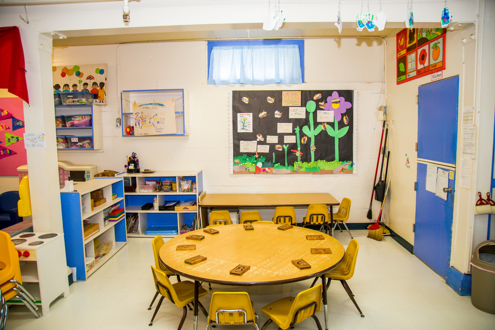Our math area features various pre-math manipulative, puzzles, and sorting games. During morning free play children can explore their interest with these hands-on activities.