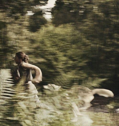 women-run-wolves.jpg