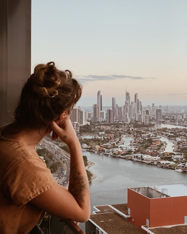 Something's in life are too good to rush; like a resting holiday, and this view. Booked another night in this magical hotel apartment to delay going back to Sydney as much as possible 😂 but honestly, I think this city is the only place I could live in if we moved back to Australia. Endless beach, salty air and magical views all around, I could live like this. ✨