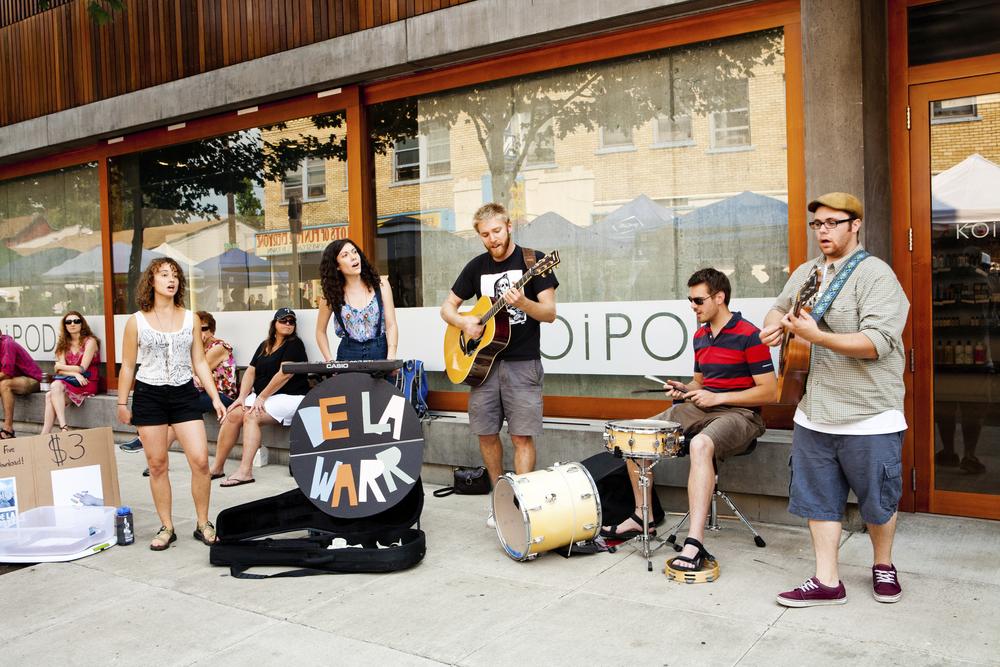 portland - sidewalk musicians.jpg
