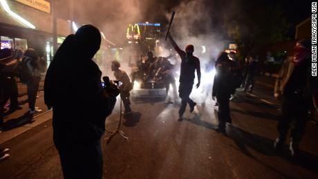 161111111112-03-trump-protest-1111-restricted-large-169.jpg