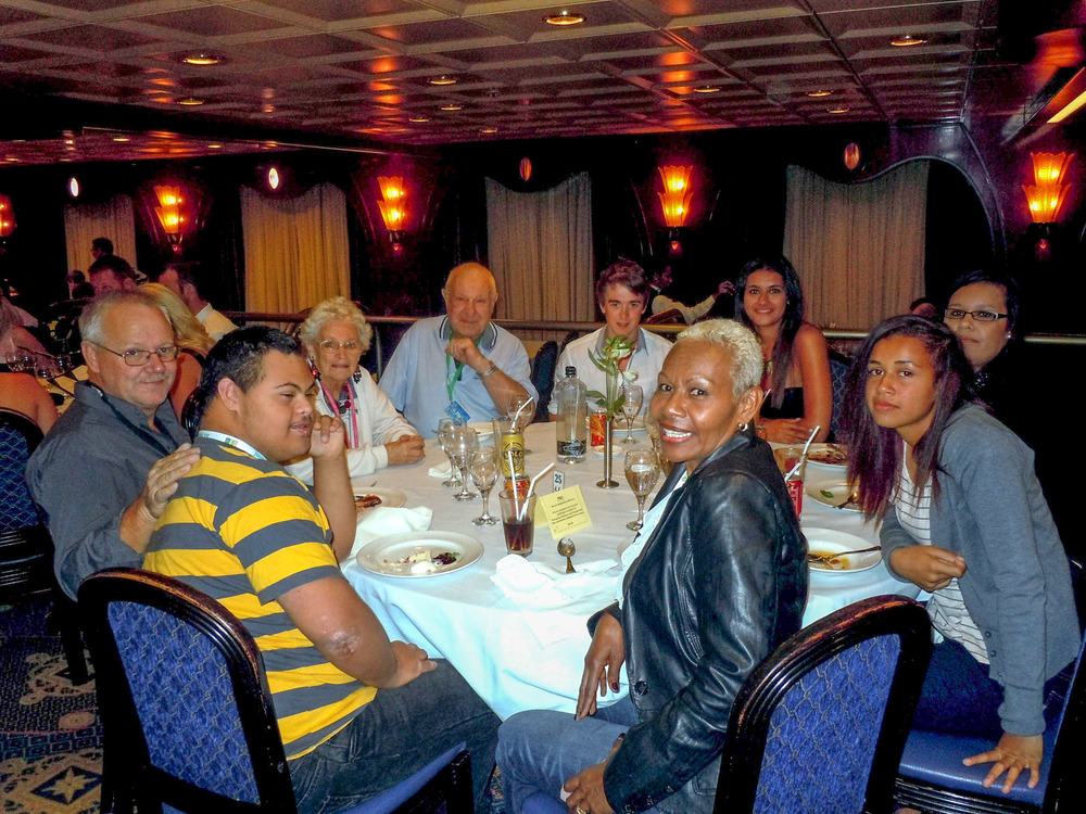 Meeting back up with everyone for a yummy dinner in the restaurant.