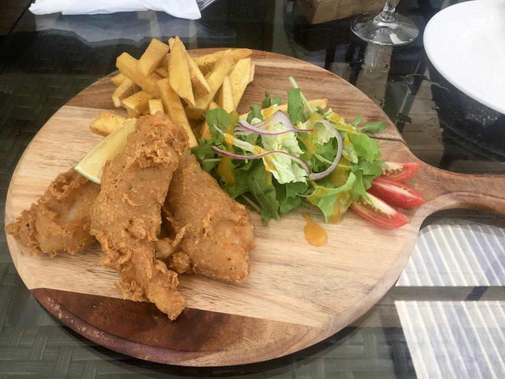 Fish and ulu chips for lunch. The chips are super crunchy (like any self-respecting chip should be!)