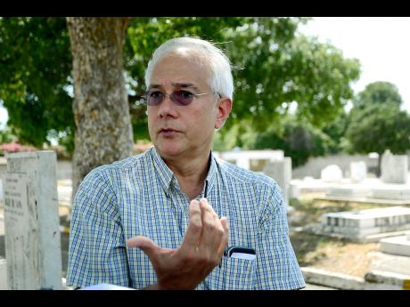 Robert Hew, Vice President of the Chinese Benevolent Association of Jamaica ChineseCemeteryZH20170403PP.jpg