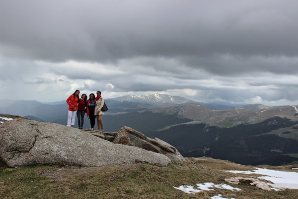 group-on-mountain-600x400.jpg