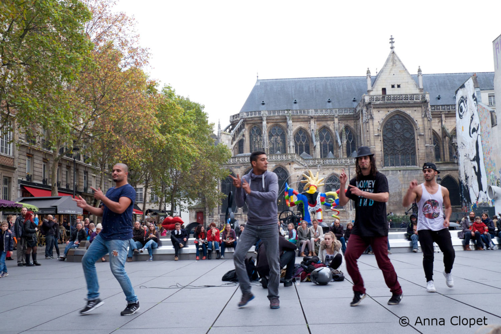 Photo_Travel_Tuition_Paris_Street Dancers.jpg