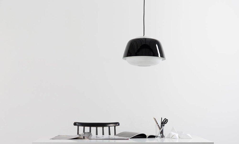 yoko-black-glossy.jpg