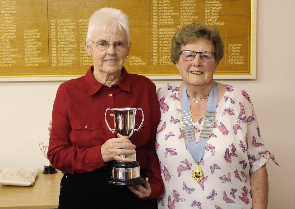 margaret compton club president presented ladies champion 2017 rachel rosagro (left) with her trophy