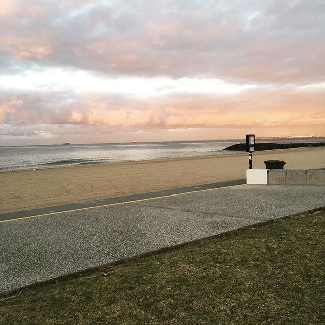 #Morning #Meditations and more #Sunrises [ in #Elwood]  #yoga #yogalover #sand #sun #water #melbourne #sun #morningmeditation #stillness #movement #breathe #wimhof #iceman #connection