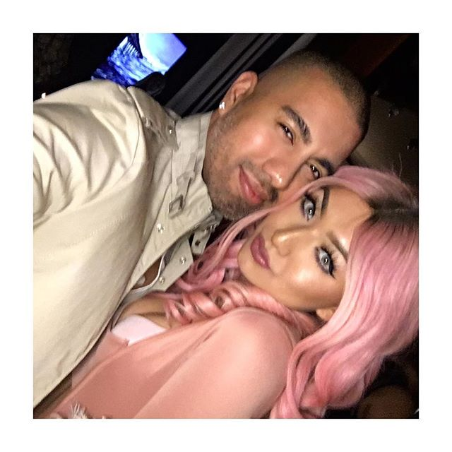 #fbf My bday party with @nikita_dragun 😬😍 I look like I'm 2 seconds from falling asleep. 🍸🍸