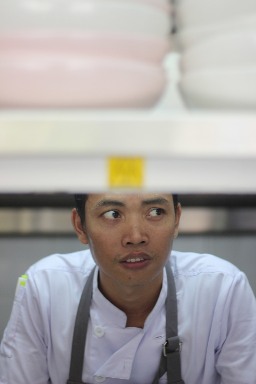 Folk's Head Chef, Roy Qira