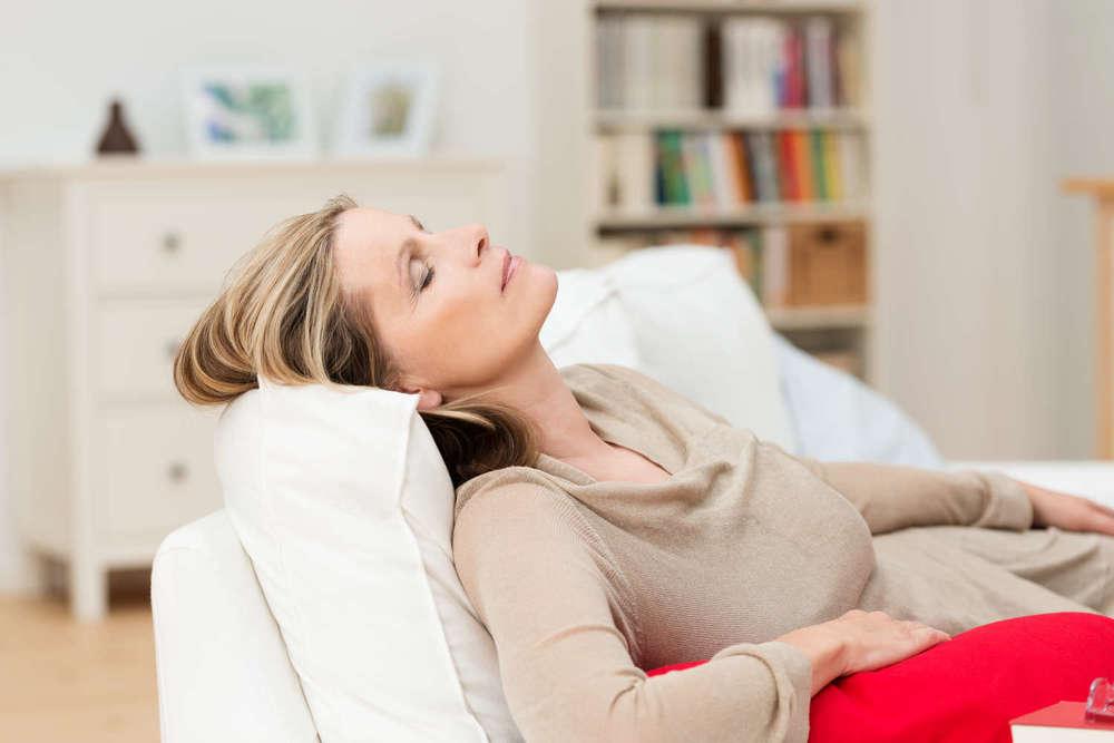 Med. Hypnosetherapie  Die moderne Hypnosetherapie ist selbstorganisatorisch und lösungsorientiert Sie lassen alles nur zu Ihrem tiefsten inneren Wohl geschehen.   Termin vereinbaren