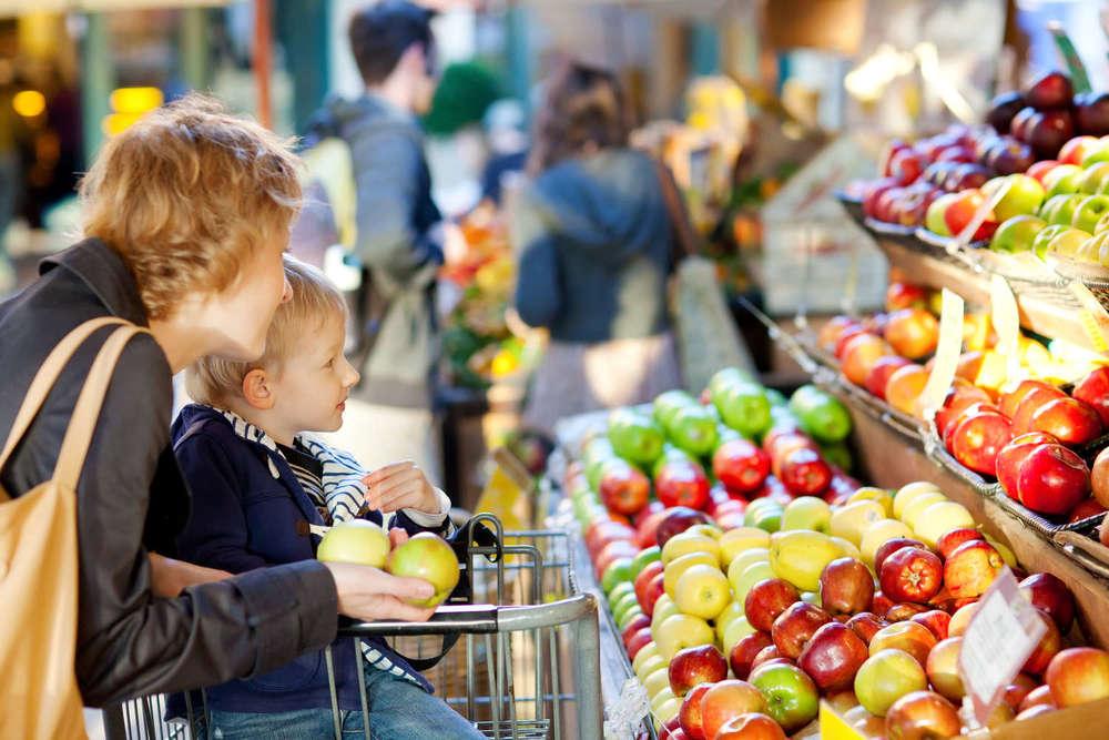 Ernährungsberatung  Wer sich richtig ernährt, ist mit sich selbst zufrieden, strahlt ein positives Lebensgefühl aus und wirkt auf andere einfach unwiderstehlich!