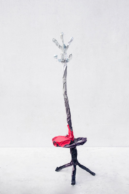 Studio-Pepe-Heykoop---Skin-Collection-coatstand---PHOTO-BY-ANNEMARIJNEBAX.jpg