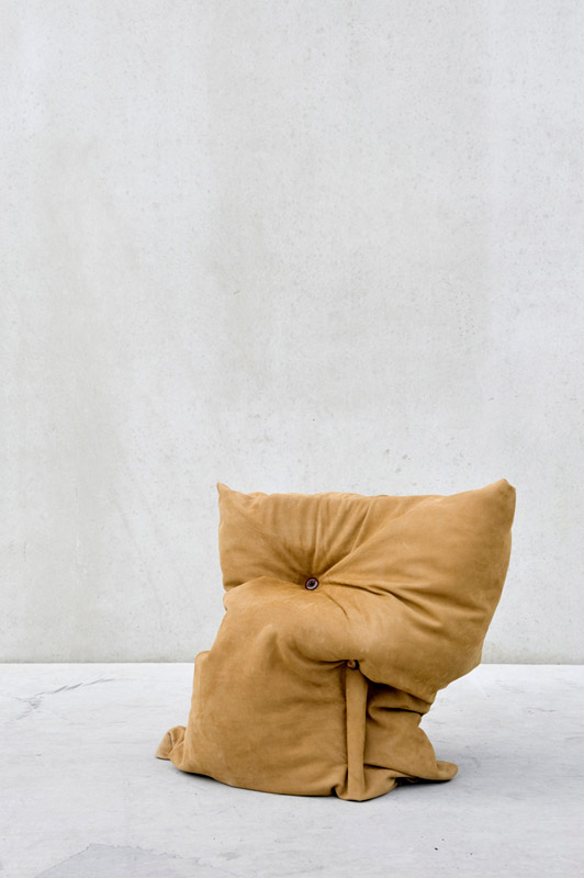 Studio-Pepe-Heykoop---Skin-Collection--pillowchair--PHOTO-BY-ANNEMARIJNEBAX.jpg