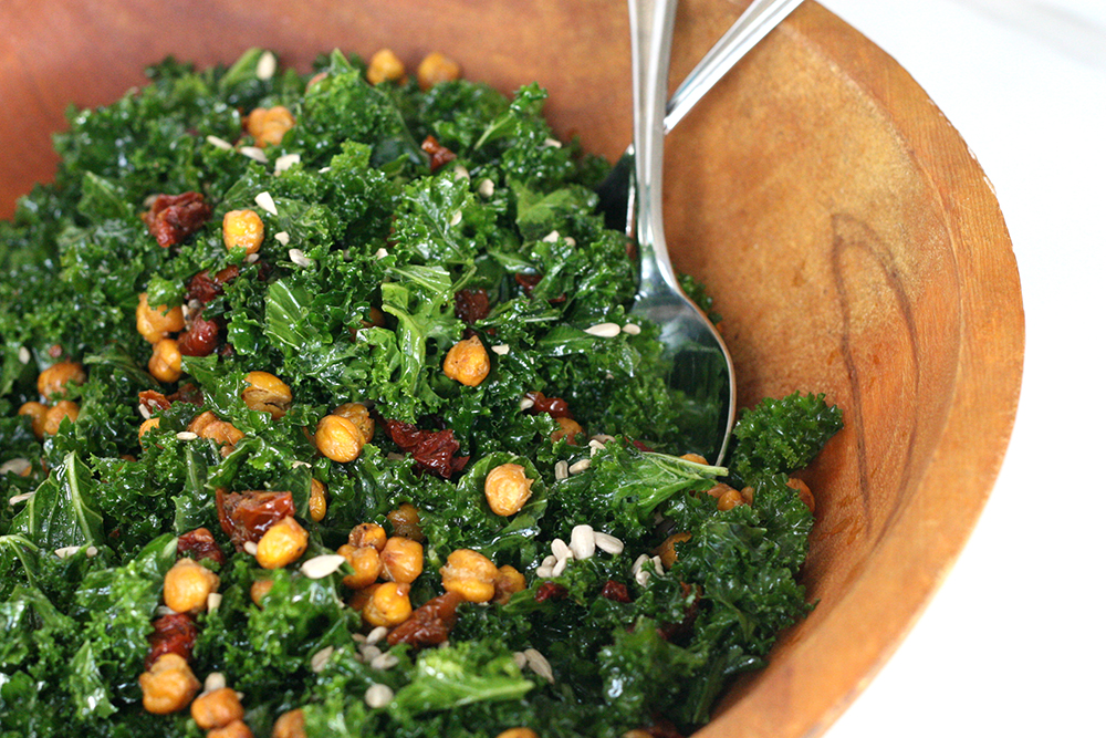 kale salad with sundried tomatoes vegan