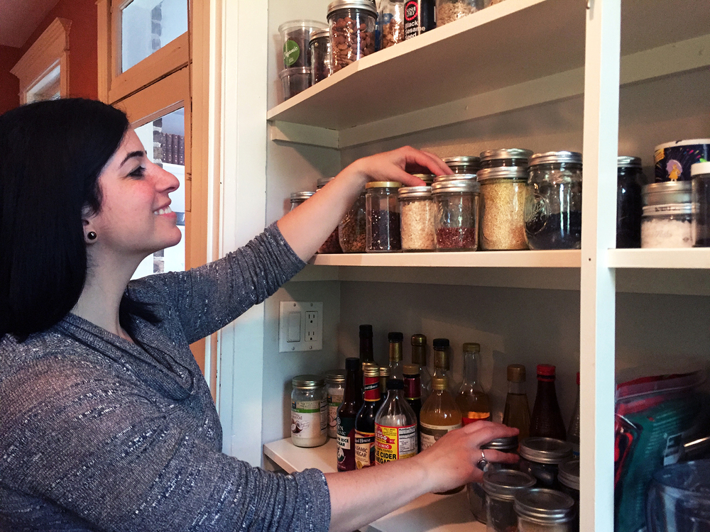 professional organizer leah schwartz tackling my pantry.