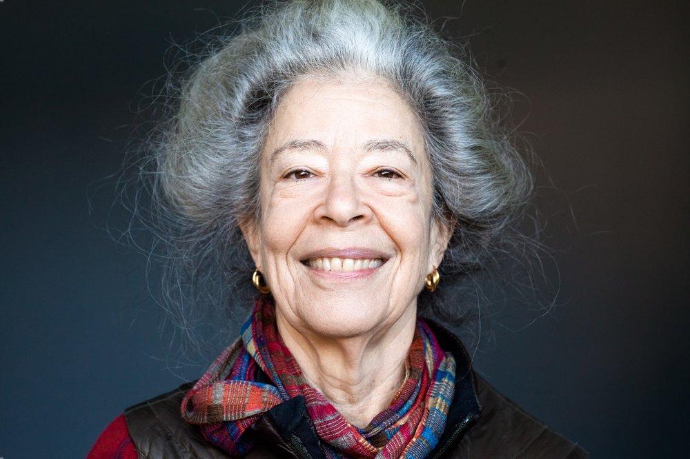 Deborah Hay. Photo: Ralf Hiemisch