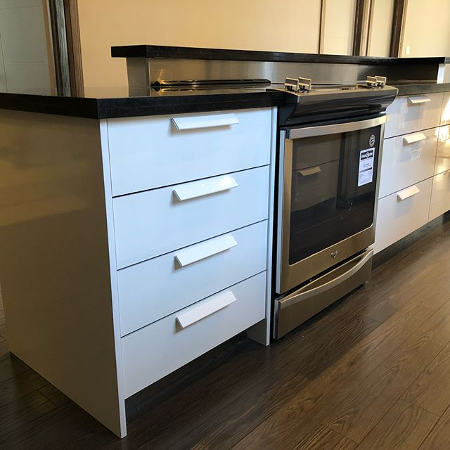 Kitchen Cabinets Guelph: Oris Wood