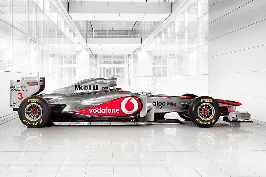 SUPER-FAST, SUPER STARS - Reinventing Vodafone in Italy, putting them back in the lead
