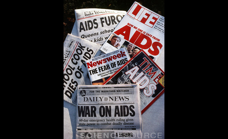 AIDS Crisis in the News, 1985 - 7E2549 ©Van D. Bucher/Science Source