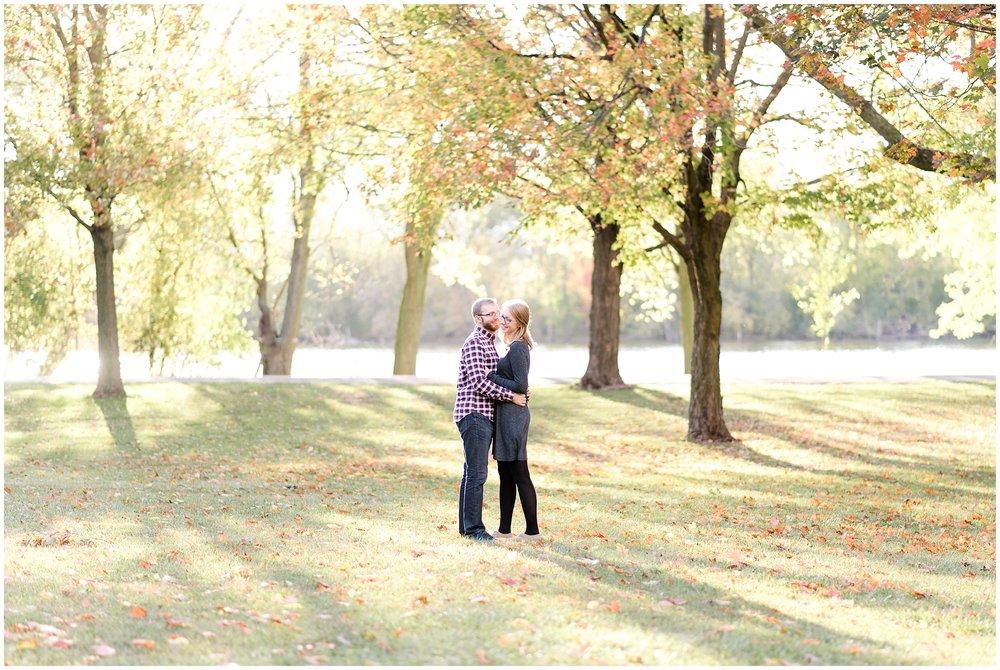 Weddings_by_Raisa_Photography_Grand_Rapids_October_Fall_Engagement_Milwaukee_Wisconsin_Photographer_0002.jpg