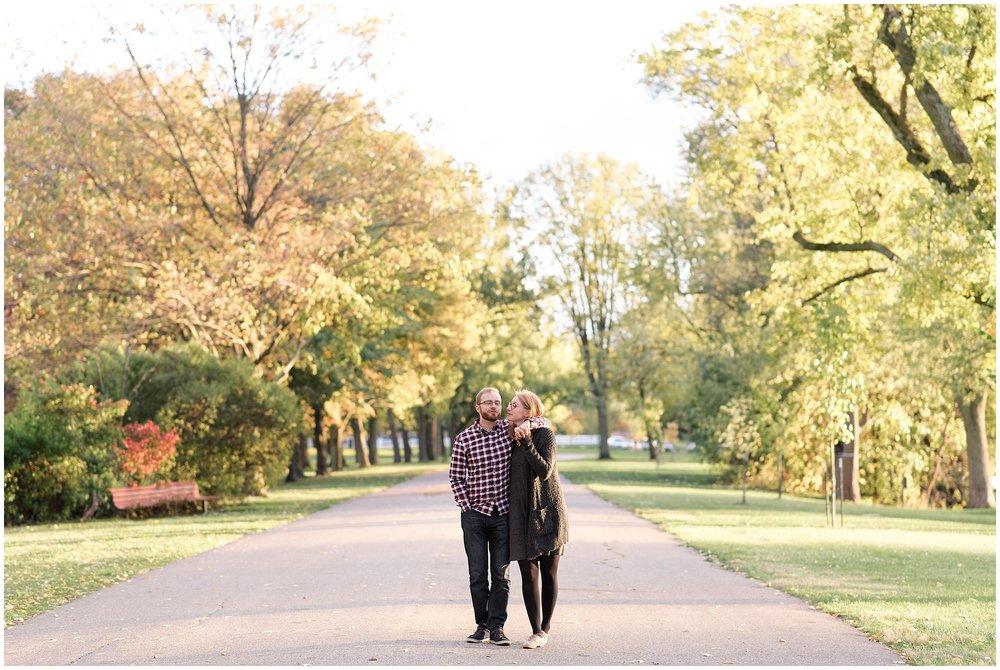 Weddings_by_Raisa_Photography_Grand_Rapids_October_Fall_Engagement_Milwaukee_Wisconsin_Photographer_0022.jpg
