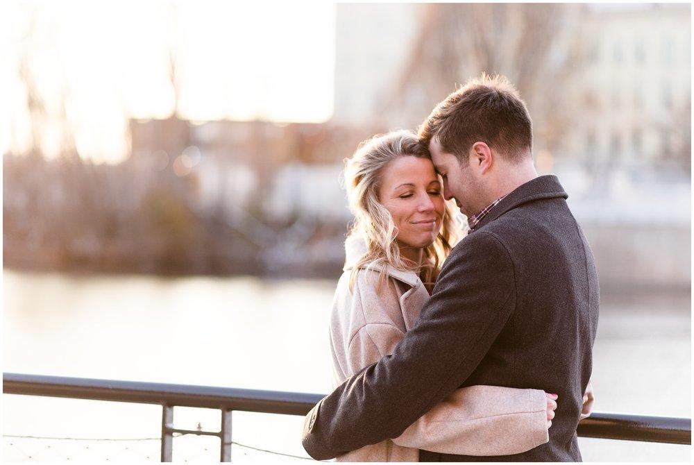 milwaukee-third-ward-riverfront-engagement-photography-session-wedding-photographer-_0015.jpg