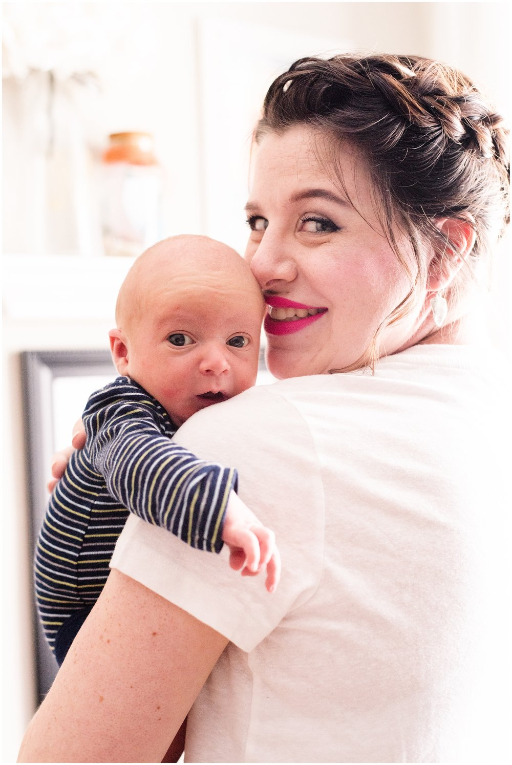 Milwaukee_Waukesha_Lifestyle_Newborn_Photography_birth_photographer_0023.jpg
