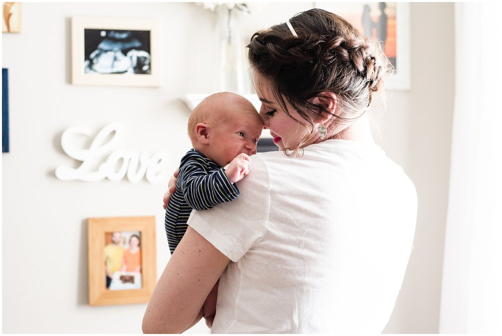 Milwaukee_Waukesha_Lifestyle_Newborn_Photography_birth_photographer_0025.jpg