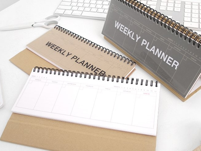 Standing weekly planner