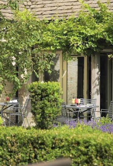 Calcot Garden