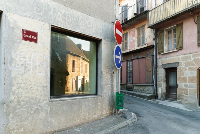 Viewfinder - tips vakantiefoto - vergane glorie - facades - uitstalramen - Stephan Vanfleteren - 4.jpg