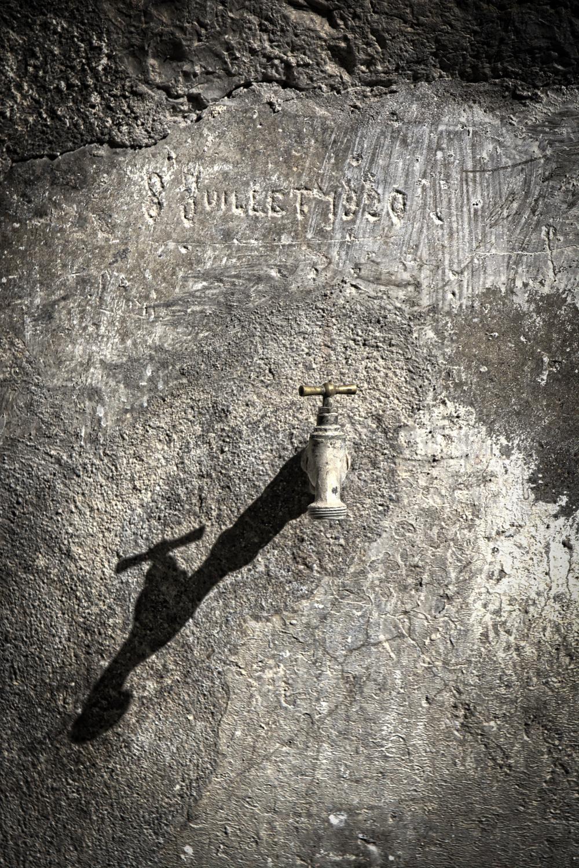 Watertap Shadow.jpg