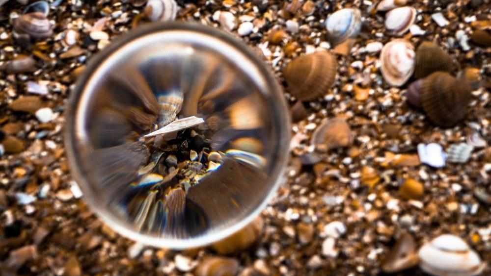 Viewfinder-kristallen-bol-eigenzinnige-fotografie-strand-golfbreker-8
