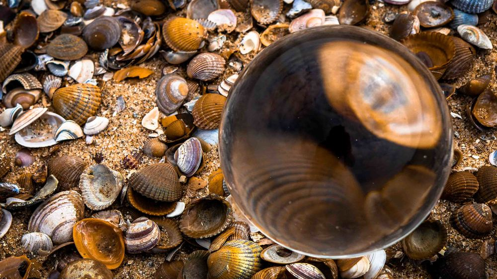 Viewfinder-kristallen-bol-eigenzinnige-fotografie-strand-golfbreker-10