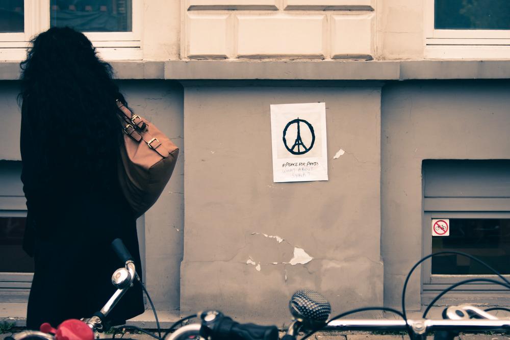 Viewfinder-straatfotografie-Gent-Sint-Annaplein-Italiaanse-piazza-op-zoek-naar-vespa-paris-attacksa
