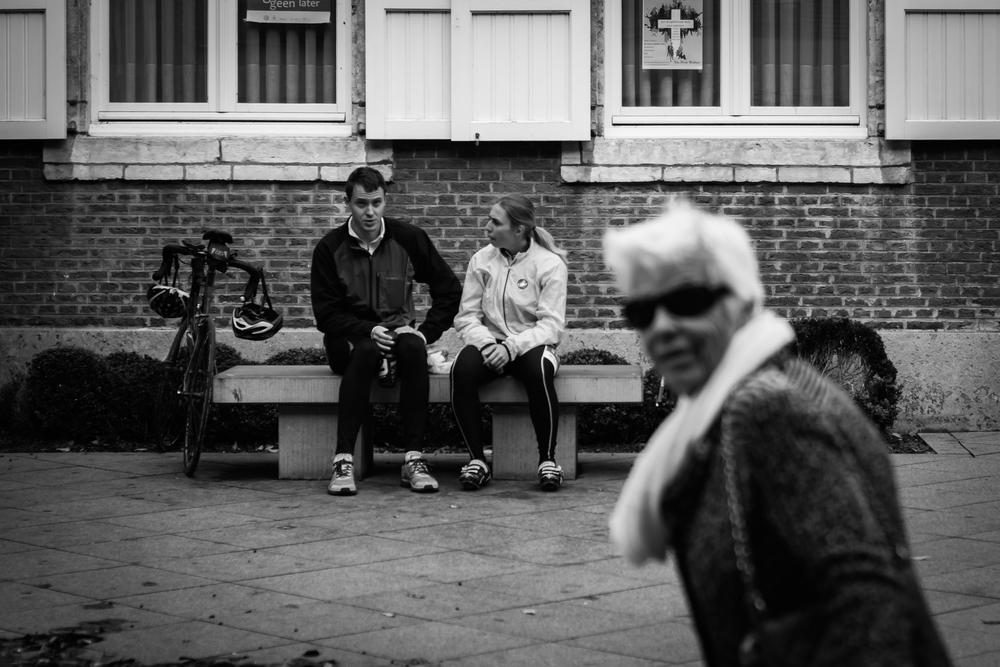 Viewfinder-straatfotografie-Boom-Rupelstreek-plezierige-senior