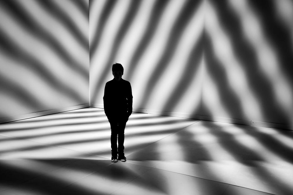 Viewfinder-eigenzinnige-fotografie-Peter-Kogler-Brussel-illusie-lijnen-vormen-Rune-als-robot