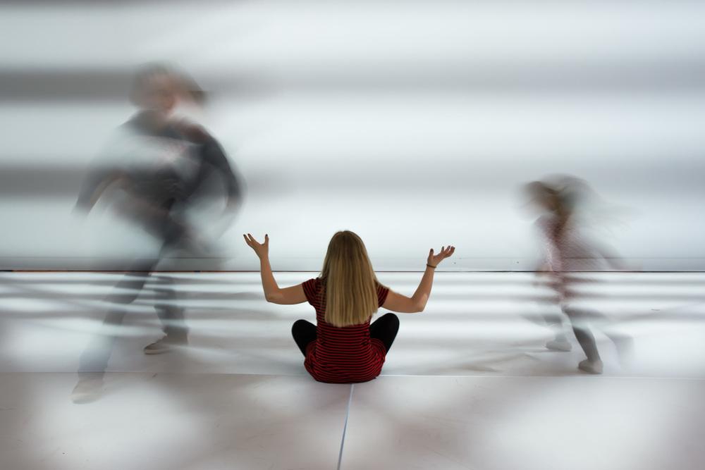 Viewfinder-eigenzinnige-fotografie-Peter-Kogler-Brussel-illusie-lijnen-vormen-Ninte-betovert-de-jongens