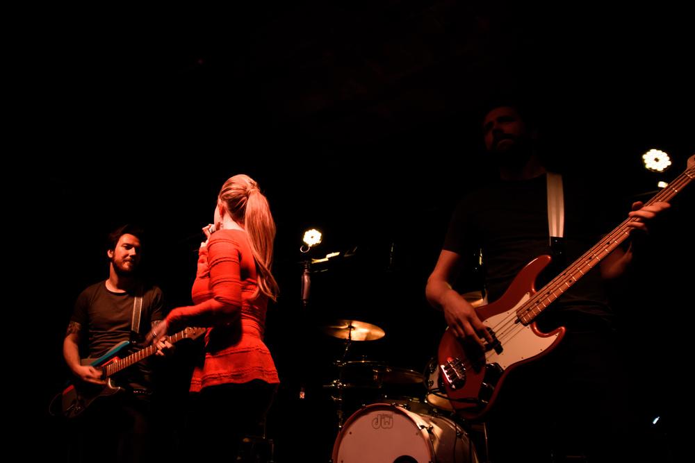 Viewfinder-Uncle-Phil-speelt-in-Charlatan-Gent-funk-disco-soul-band-Ruisbroek-allen-8.jpg