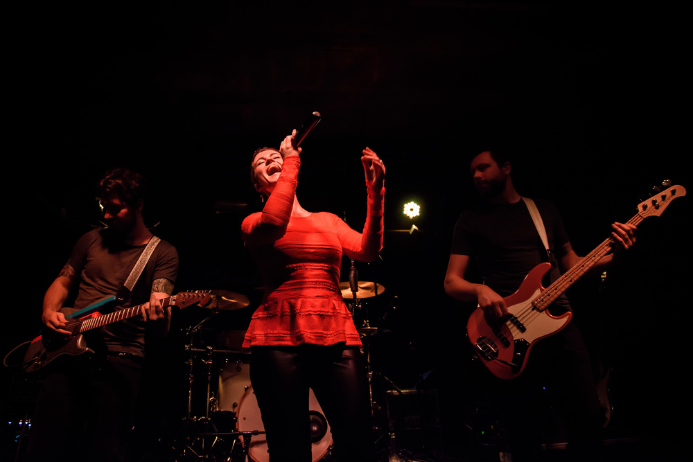 Viewfinder-Uncle-Phil-speelt-in-Charlatan-Gent-funk-disco-soul-band-Ruisbroek-allen75.jpg