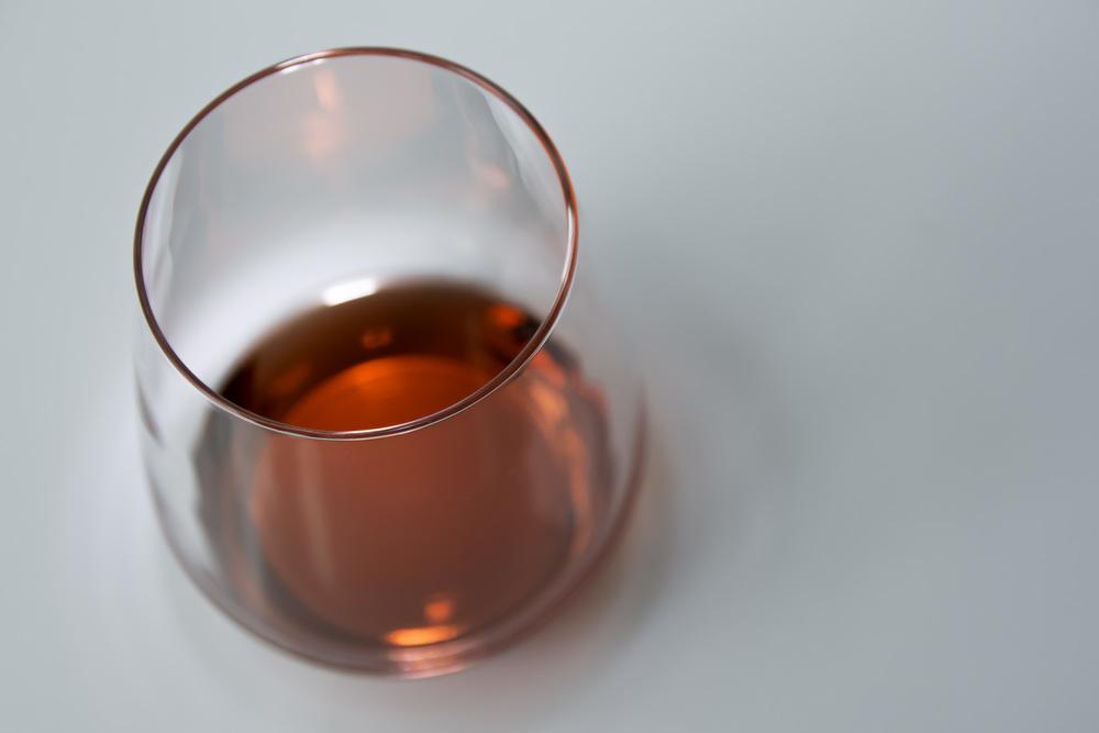 Campari in een glas. Rood in de fotografie kan ook lekker zijn.