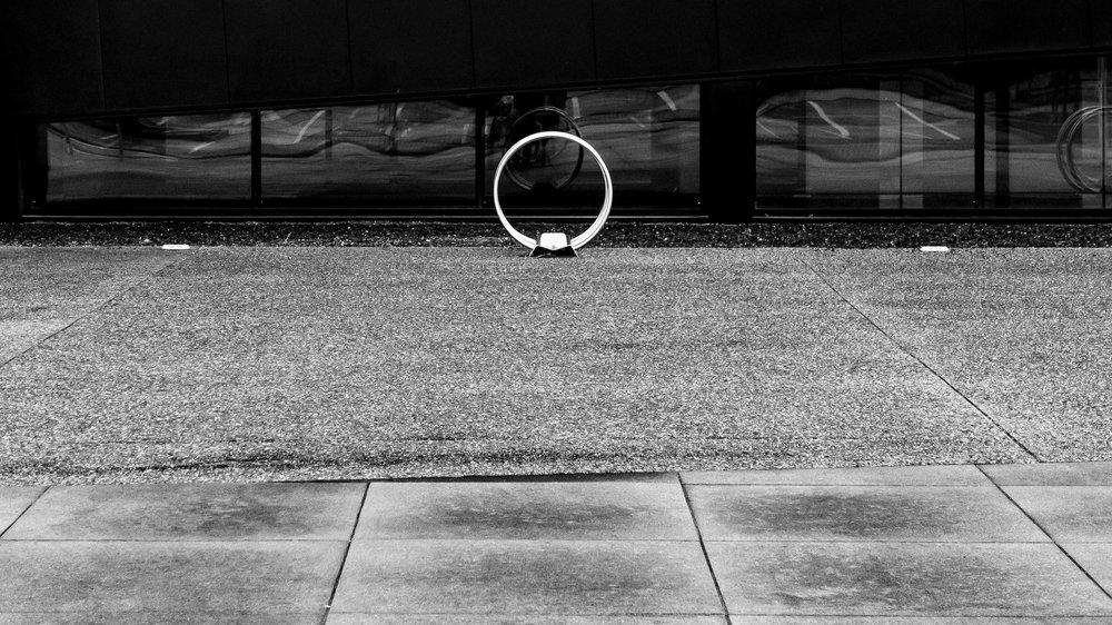 lijnen en vormen op een parking minimalisme in