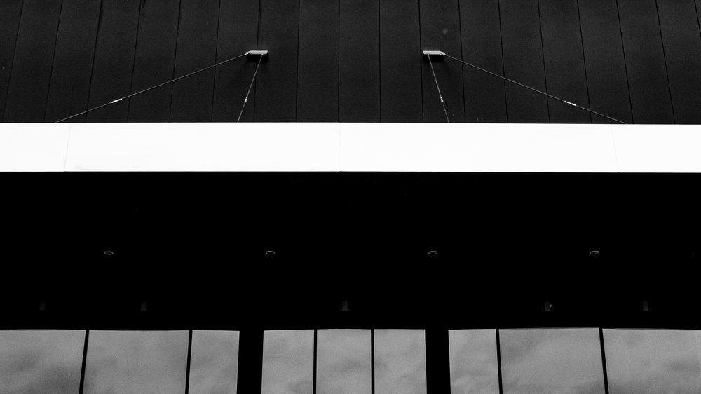 viewfinder-eigenzinnige-fotografie-lijnen-vormen-minimalisme-parking-6
