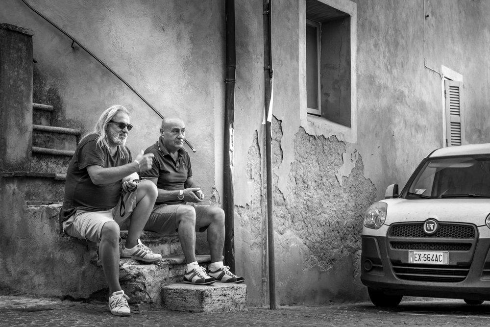 viewfinder-straatfotografie-oude-mannen-in-Collevecchio-6.jpg