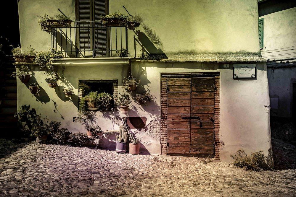viewfinder-voordeuren-schilderen-eigenzinnige-straatfotografie-Italie-2