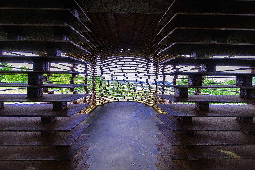 Individuele stalen platen maken van het doorkijkkerkje in Borgloon een architecturale beauty!